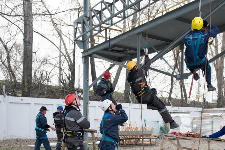 Обучение работников безопасным методам и приемам выполнения работ на высоте повышенной опасности (без канатного доступа) (2 группа безопасности) на 3 (три) года